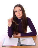 таблица стекел девушки милая сидя стоковое фото rf