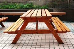 таблица стенда деревянная Стоковая Фотография RF