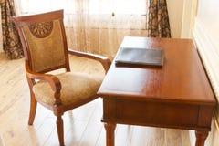 таблица стула Стоковое Изображение