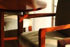 таблица стула стоковые изображения rf