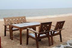 таблица стулов пляжа Стоковое Изображение