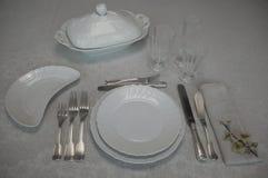 Таблица установила для элегантного набора LunchTable на элегантный обед стоковое изображение rf