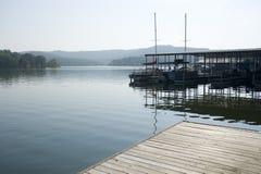 таблица утеса озера стоковое фото rf