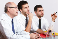 таблица 3 встречи бизнесмена сидя Стоковые Фото