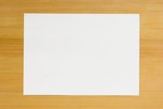 таблица a4 деревянная стоковые изображения rf