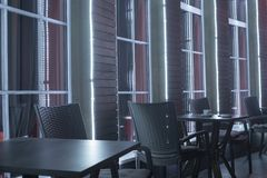 Таблицы в кафе ночи Стоковое Изображение RF