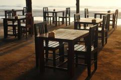 Таблицы на пляже Стоковые Изображения RF