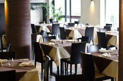 Таблицы на ресторане Стоковые Фото