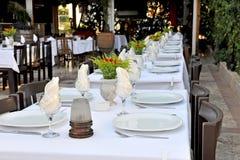 Таблицы патио ресторана стоковое изображение rf