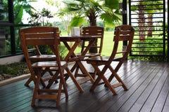 таблицы стулов деревянные Стоковое Фото
