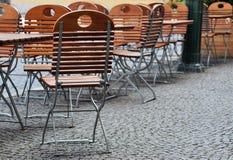 таблицы стулов Стоковые Фотографии RF