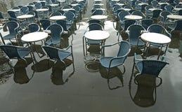 таблицы стулов Стоковые Фото