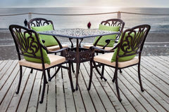 Таблица в кафе на пляже Стоковое Изображение