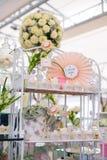 Таблица десерта для дня рождения или свадьбы Стоковые Изображения