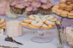 Таблица десерта для свадебного банкета печенья Стоковое Изображение RF
