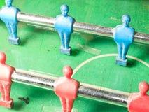 таблица 2 игроков изолята футбольной игры Стоковое фото RF