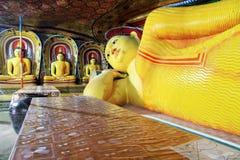 Таблица и Будда стоковые изображения rf