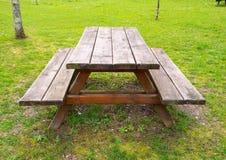 Таблица и benchs outdoors Стоковое Фото