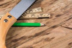 таблица оборудует деревянное Стоковое Изображение RF