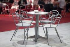 таблица стулов 4 Стоковое Изображение RF