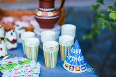Таблица части фото праздничная украшенная для ` s детей parties, b Стоковая Фотография