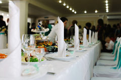 Таблица шведского стола, еда Стоковые Фотографии RF