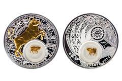 Тавр 2013 астрологии серебряной монеты Беларуси стоковое фото