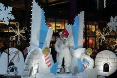 Тазобедренный медведь хмеля на параде рождества Bellevue стоковое изображение rf