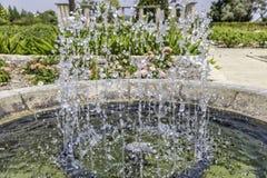 Таз фонтана от стороны Стоковое Фото