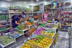 Таиланд, Паттайя, 27 06 Магазин 2017 с мылом и мазями на th Стоковое Изображение RF
