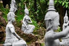 Таиланд Волшебные секретные статуи сада Будды в Samui Перемещение, t Стоковое фото RF