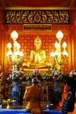 Таиланд, золотой Будда в виске Стоковое фото RF
