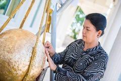 Таиланд - 27-ое ноября 2016: Золото Loknimit женщины заключительное Стоковая Фотография RF