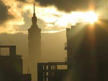 Тайбэй 101 на восходе солнца Стоковая Фотография RF