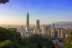 Тайбэй с небоскребом Тайбэя 101 стоковое фото rf