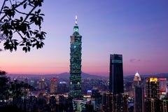 Тайбэй с небоскребом Тайбэя 101 Стоковые Изображения