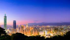 Тайбэй с небоскребом Тайбэя 101 Стоковое Фото
