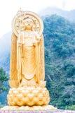 ТАЙВАНЬ - 18-ое января 2016: Статуя Kshitigarbha на виске Xiangde в t Стоковая Фотография