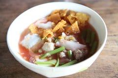 Тайская лапша Тома еды yum в тайском стиле стоковые фото