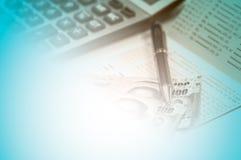 Тайская банковская книжка на предъявителя банкноты и сберегательного счета Стоковые Фото