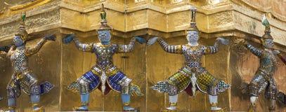 Тайская гигантская статуя стоковая фотография rf