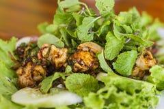 Тайская еда, тайский пряный семенить салат свинины Стоковая Фотография
