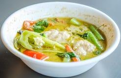 Тайская еда, тайское карри зеленого цвета фрикадельки Стоковые Фотографии RF