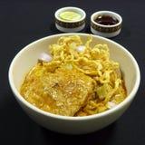 Тайская еда, kai soi khao Стоковые Фотографии RF