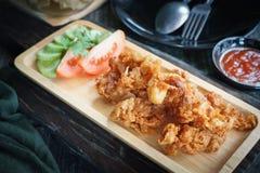 Тайская жареная курица еды Селективный фокус Стоковые Изображения RF