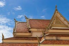 Тайская крыша стиля виска стоковые изображения