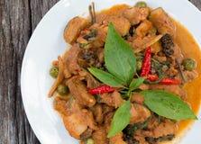 Тайская кухня - свинина с овощами стоковые фото