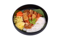 Тайская лапша риса с говядиной в японском карри Стоковая Фотография RF