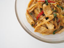 Тайская местная традиционная еда: пошевелите зажаренный свинину с луком и святым базиликом Стоковые Фото