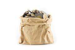 Тайская монетка в сумке морщинки коричневой бумажной Стоковое Изображение RF